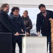 v.l.n.r.: Michael Bethke (Geschäftsführer Michael Bethke Gruppe), Michaela Ritter (Bürgermeisterin Radeburg), Anja Groß (Einrichtungsleiterin), Volker Böhme (Proukrist Hentschke Bau)