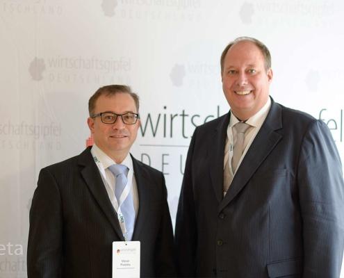 Marcel Riwalsky mit Kanzleramtsminister Helge Braun beim Wirtschaftsgipfel Deutschland 2019